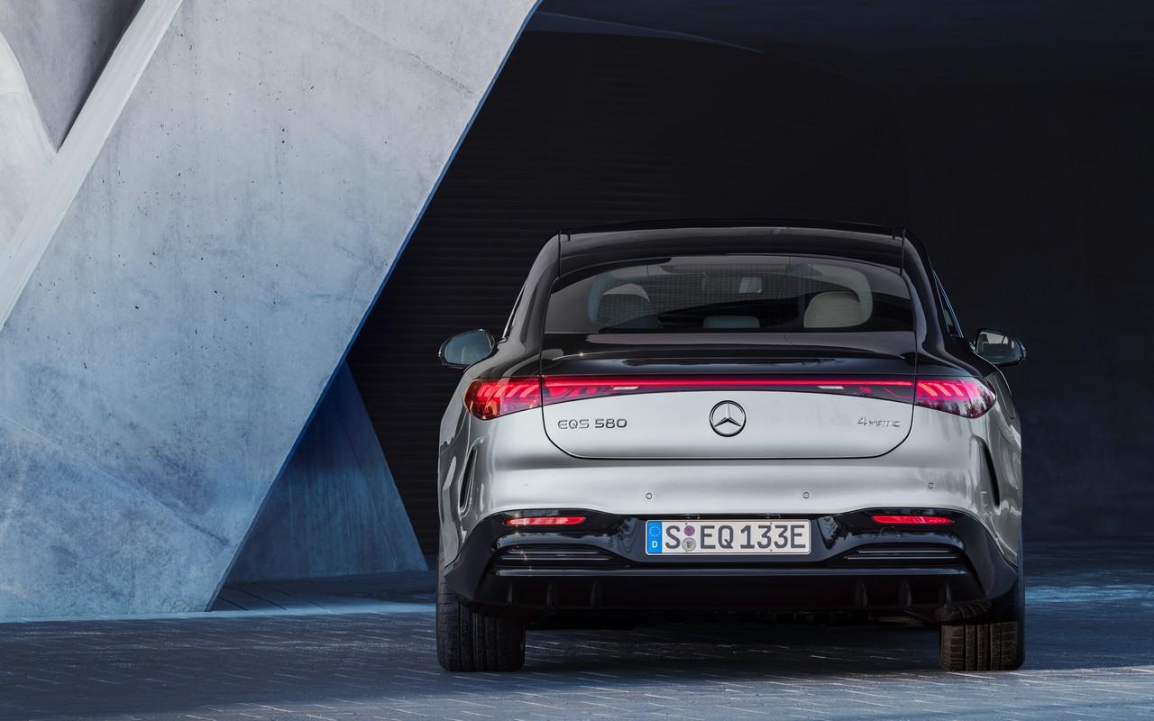 Mercedes EQS 2021 posteriore
